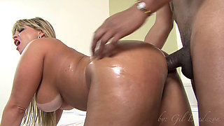 Busty blonde fucked in her tight ass