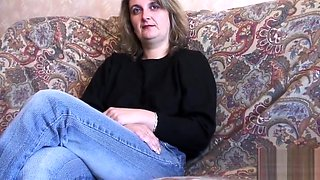 Lily Wow russian short hair milf blowjob
