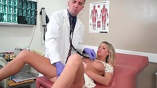 Slut Patient (Jessa Rhodes) Seduce Doctor In Hard Sex Act video-15
