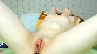 Girl masturbates her cunt with dildo and vibrator