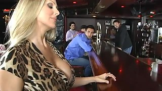 Julia Ann Is a Cougar on the Hunt For a Big Cock
