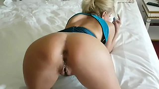 After Son see father fuck her mother's pussy he fuck his Mom Ass-Family
