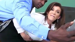 Mature Curvy MILF Sara Jay Loves BBC