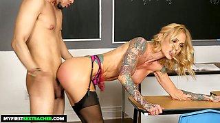 Super sexy teacher with fake boobs Sarah Jessie seduces her favorite student