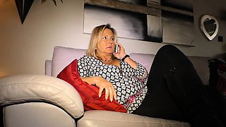 HAUSFRAU FICKEN - Busty German housewife gets fucked hard