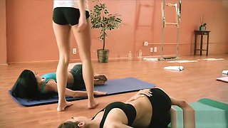 Hot yoga tutor teaches fitness exercises with sexy brunettes