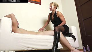 Mistress zita plays