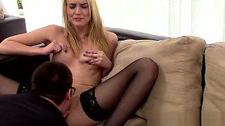 Amateur realtor sucking dick after oral