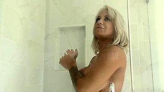 Busty Cougar Alyssa Lynn Hungry for Black Cock