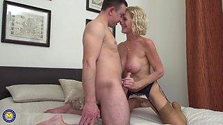 molly maracas – british horny housewife