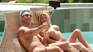 Fabulous bombshell with big tits Sienna Day loves working on cocks in the pool