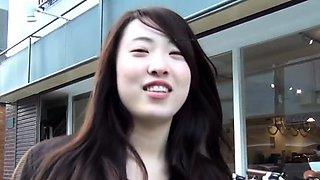 Japanese ho flashing her underwear