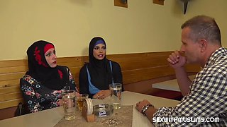 Muslim woman spread her legs for id&#39s
