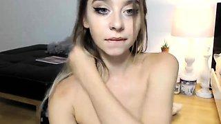 Cute blonde camgirl fucks her peach to orgasm with a dildo
