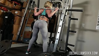Busty mom with big booty, nice display at the gym and hardcore sex