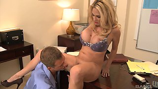 This horny cougar boss gets fucked by her servant in the office
