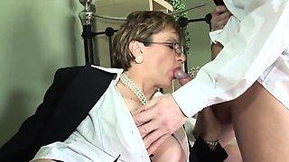 Unfaithful british mature lady sonia unveils her huge boobs0