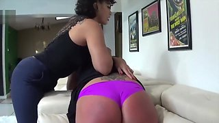 Big woman spanked by tiny girl