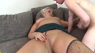 Prettiest Blonde Mum Daila Fucking Young Cock