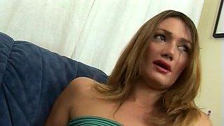 Lea di Leo craving for a rough double penetration