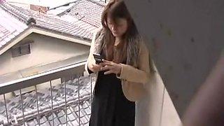 Cute pantieless girl gets under kinky sharking