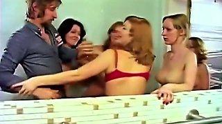 Mom and daughter in the sauna - retro threesome