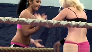 Pussy Loving Babe Toyed After Wrestling