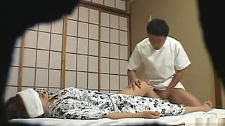Special massages at onsen 2
