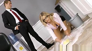 Brazzers - Big Tits at Work - The Clumsy Intern scene starri