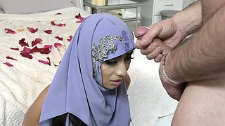 Muslim mom wants to have her arab dauther pregnant!