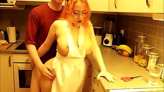 Adorable redhead babe loves morning sex in kitchen
