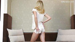 Hot Virgin big tits blonde Jennifer Anixton casting