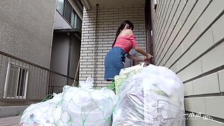 Asian girl gets fucked by her neighbor