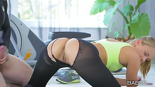 Yoga girl Ivana Sugar gets her pussy fucked deep in the gym