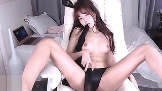 Korean BJ bunny in sheer pantyhose