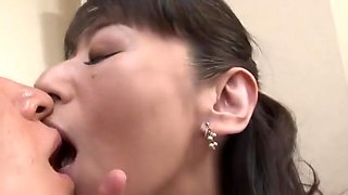 Japanese Asian Cougar Fuck Meet Young Guy Home