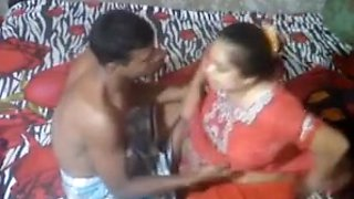 Desi aunty caught