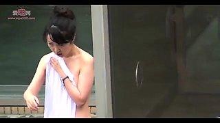 Horny voyeur captures naked Japanese ladies in the shower