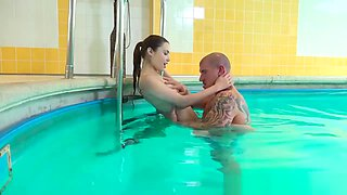 Amazing hot couple likes fucking in the pool