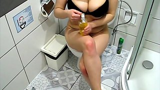 MILF MASTURBATES ON TOILET TO CREAMPIE RECORDED ON HIDDEN CAMERA PORN 4K
