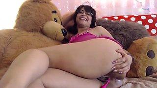 Beautiful Huge Ass Latin Teen Teasing Webcam