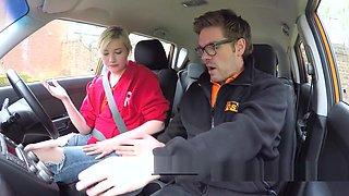 Blonde in red bra fucks instructor in car