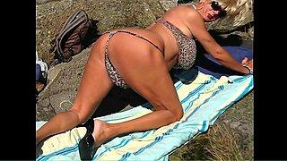 Fabulous Outdoor, Blonde adult scene