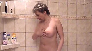 Old lady horny in the shower - Acheron
