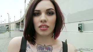 Tattooed emo nympho wanders in the streets to find a dude for sex