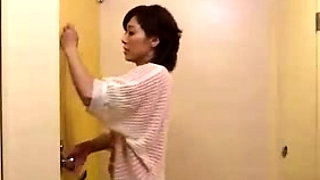 Japanese gals sharing POV guy cock