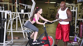 Muscular black man fucks this fit babe down at the gym