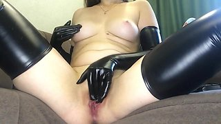 From Dy Pussy To Wet ORGASM: LATEX Masturbation