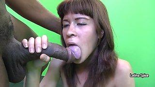 Inexpert woman swallows semen