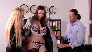 Threesome Sex with Naughty Girls